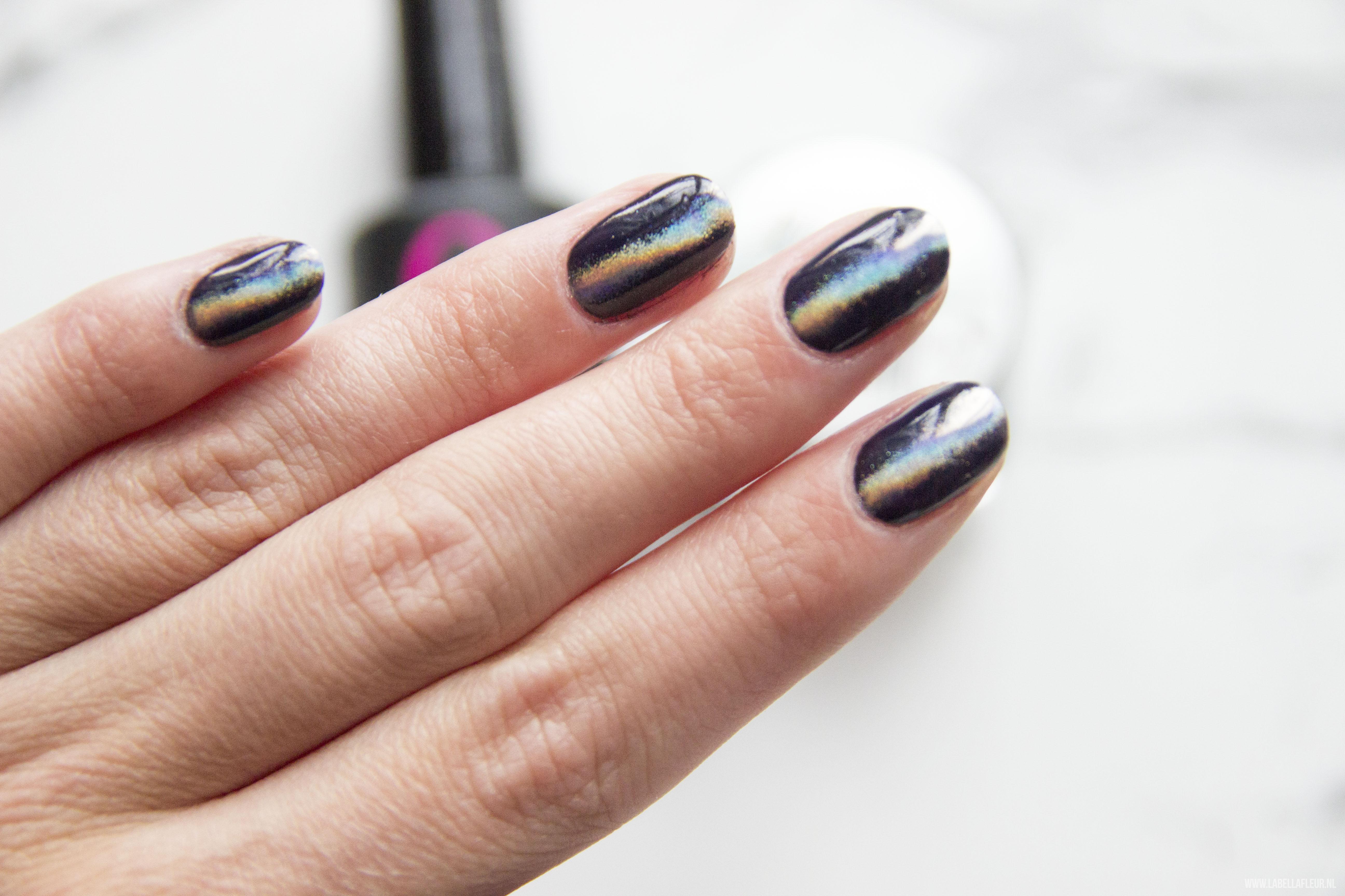 Nails, Quida, gelpolish, semi flash, holo instinct